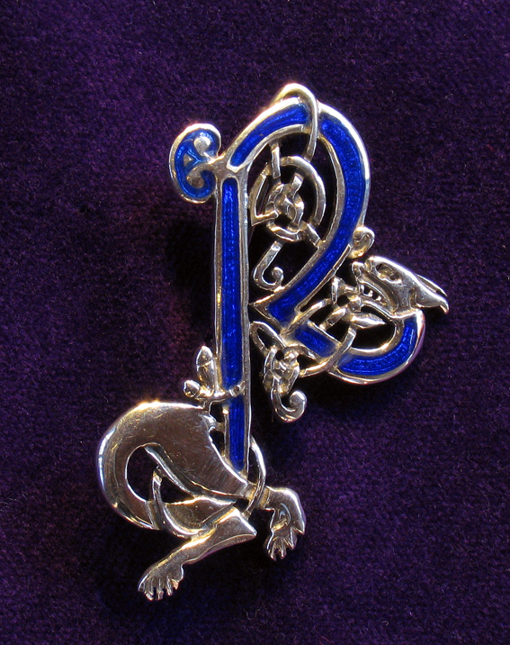 Fancy Letter R Design Pewter brooch with letter r